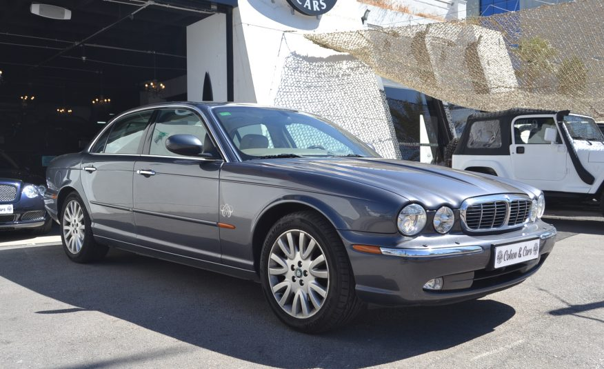 Jaguar XJ8 3.5 V8 Liter Executive