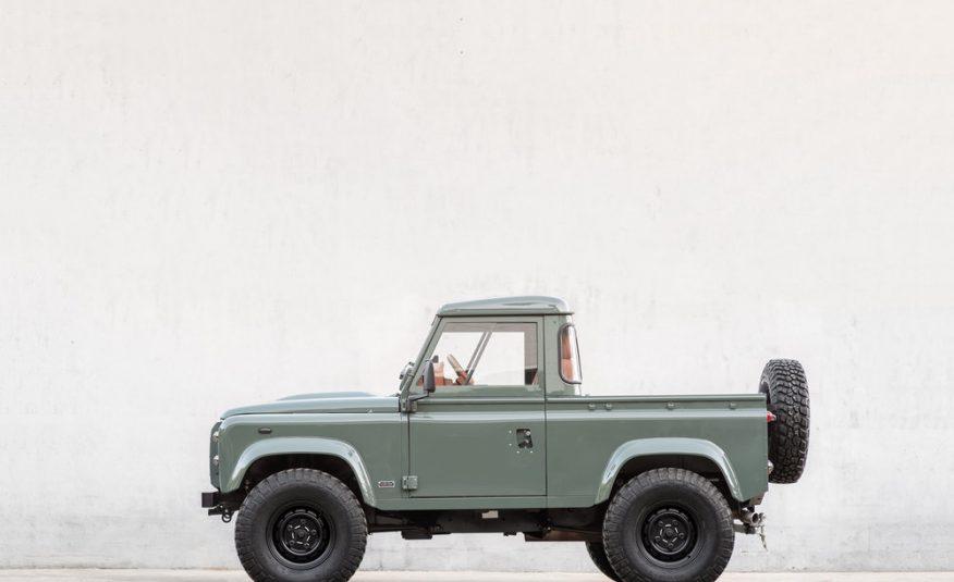 Land Rover Defender 2.2 TDCI *EDITION COOL & VINTAGE*